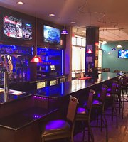 WingTips Bar and Bistro