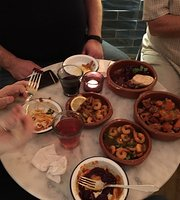 Monusk Tapas & Wine Bar