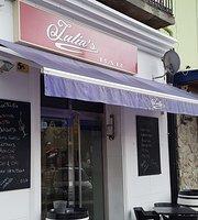 Julia's Bar