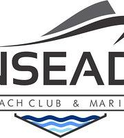 Enseada Beach Club & Marina
