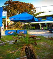 Straddie Roadhouse
