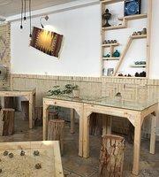 Cafe Anousheh