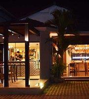 L'Arôme Cafe Lounge