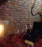Li Lei Cafe & Restaurant