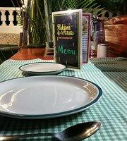 Hakuna Matata Bar n Restaurant