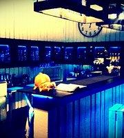 No.1 Sunset Lounge
