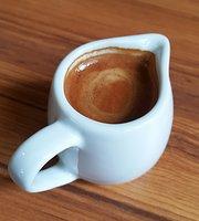 Mr. Guan Coffee & Books