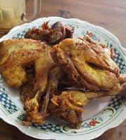 Ayam Goreng Kampung Mbak Nana