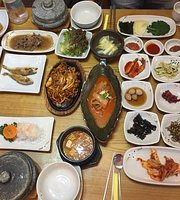 Water Re Banga KoreanTable D'Hote