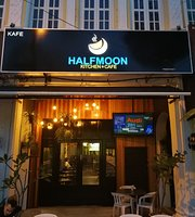 HalfMoon Kitchen & Cafe