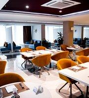 Shade Lounge & Terrace