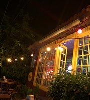 Buena Onda Loja Cafe