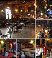 Peru Bar 203