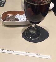 Cafe Room Renoir Shinjuku Alta Yoko