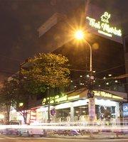 Thai Market Restaurant