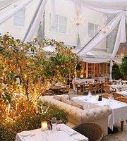 Villa Azur Restaurant & Lounge