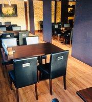 D'Vine Restaurant & Lounge