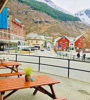 Glacier Restaurant Bar Cafe