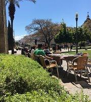 El Portón Café y Copas