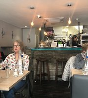 Broadley's Bistro & Wine Bar