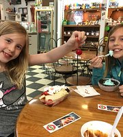 Tates Old Fashioned Ice Cream Shop