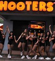 Hooters Cali