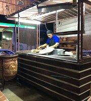 Birria Tacos y Consome