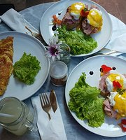 Doppio Cafe Bali