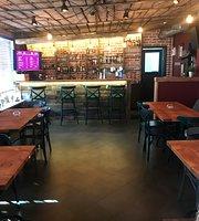 Rox Bar Eagle & Tails