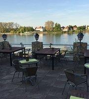 Kaffeehaus & Pension Rheinblick