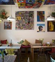Woanders Café