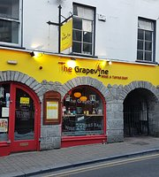 ‪The Grapevine Wine & Tapas Bar‬