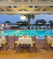 Maltezana Restaurant & Pool Bar