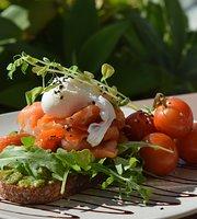Kirra Hub Social Eatery