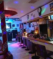 Karaoke & Live House Como Chan