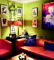 Bar Studio 1