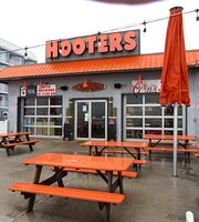 Hooter's on the Boardwalk