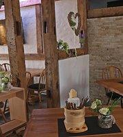 Schlosscafe Restaurant . Cafe . Konditorei
