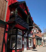 Timberwolf Pub