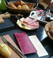 Cafe De Poarte