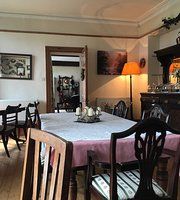 The Hollow Dining Room, Tea Garden and Bed and Breakfast