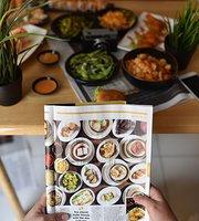 Manzo Sliders & Sushi Restaurant