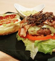 Aguamiel burgers & drinks