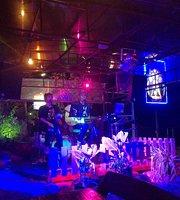 Moon Live Pub