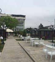 Yali Cafe & Restaurant