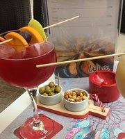 Win's cocktail bar
