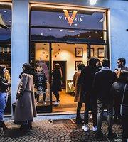 Vittoria Cafe & Bistrot