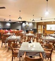 Bombay to Mumbai Cafe