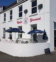 Yummi Cafe