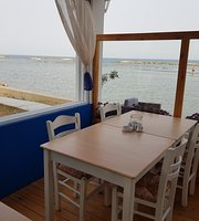 Mer Bleue Beach Restaurant
